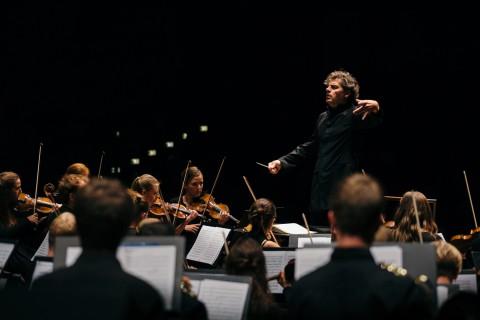 Johannes Gustavsson och Aurora symphony orchestra
