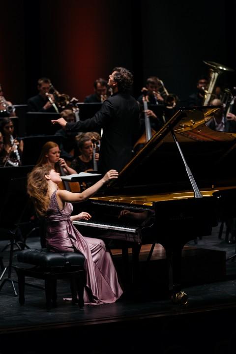 Anna Federova, Johannes Gustavsson och Aurora symphony orchestra